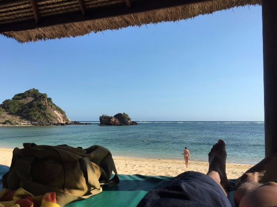 Novotel Lombok: Beach from beach hut