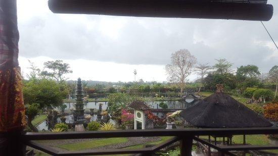 Tirta Ayu Restaurant , The Water Palace , Tirtagangga: FB_IMG_1505004839024_large.jpg