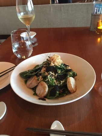 Spinach with Scallop , fresh and rich flavor