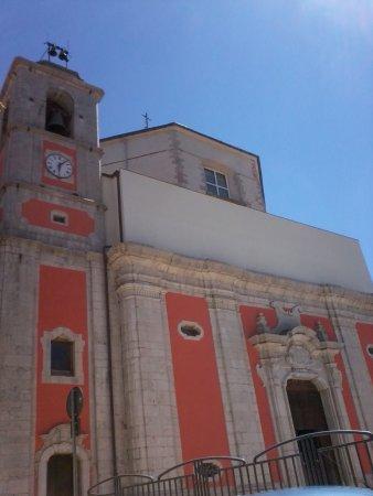 Sessano del Molise, Italie : Facciata e campanile