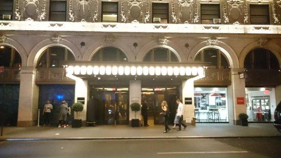 Hotel Mela New York Bewertung