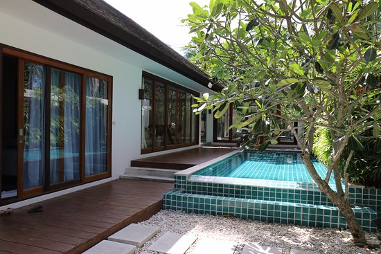 Lipa Noi, Thailand: 2nd pool and gym