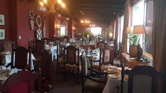 Wombles Steakhouse Restaurant: The restaurant
