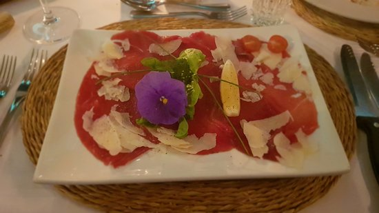 Wombles Steakhouse Restaurant: Sprinbok carpaccio
