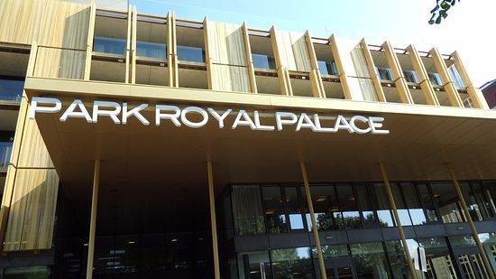 Radisson Blu Park Royal Palace Hotel Photo
