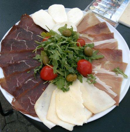 Kalemegdanska terasa: Вкусная еда