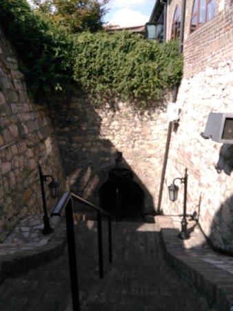 Kalemegdanska terasa: Лестница, ведущая вниз