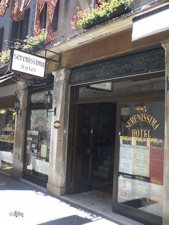 Hotel Serenissima: Entrada al Hotel