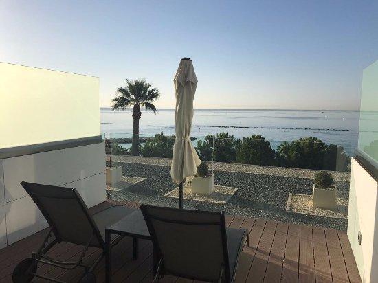 Crowne Plaza Limassol: Room outdoor lounge