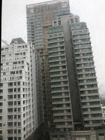 Mayfair, Bangkok - Marriott Executive Apartments: building opposite to marriott