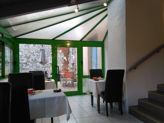 Cuiseaux, France: salle petits déjeuners