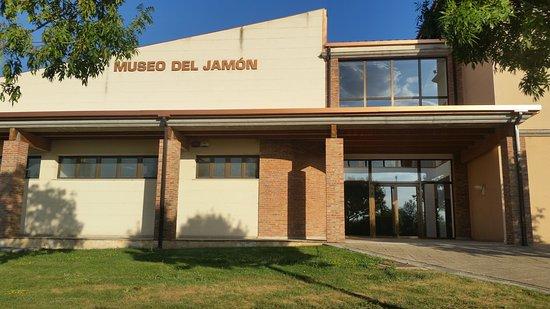 Museo del Jamon y la Cultura Popular