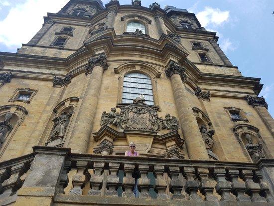 Bad Staffelstein, Alemanha: Klosterkirche Eingangstreppe