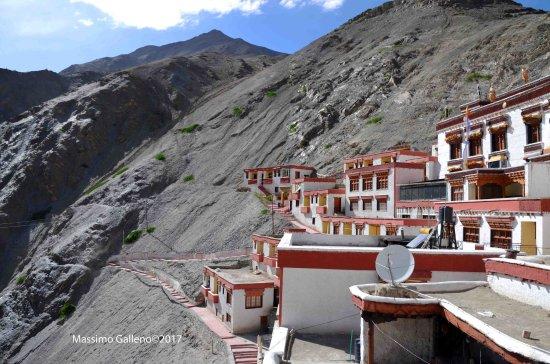 Rizong Monastery and Jelichun Nunnery : scendendo nel monastero
