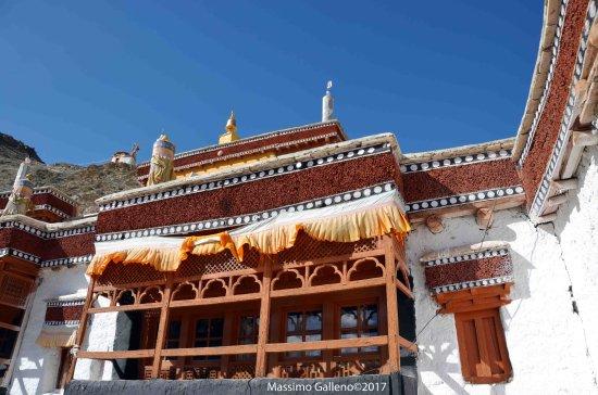 Rizong Monastery and Jelichun Nunnery : uno dei balconi