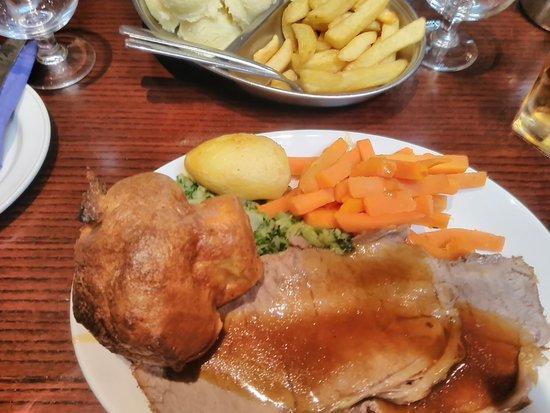 Drogheda, Ireland: Roast Beef Dinner