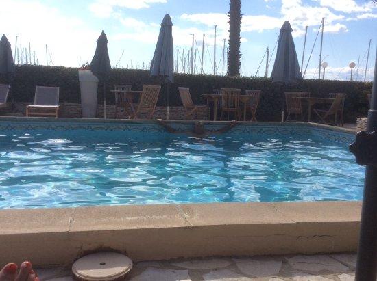 Hotel Azur: La Piscine