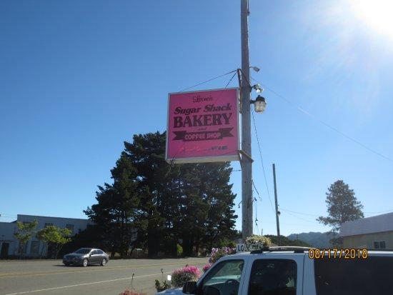 Reedsport, OR: roadside sign