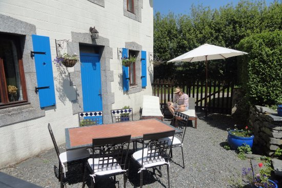 Sizun, France: Granary Gite private terrace