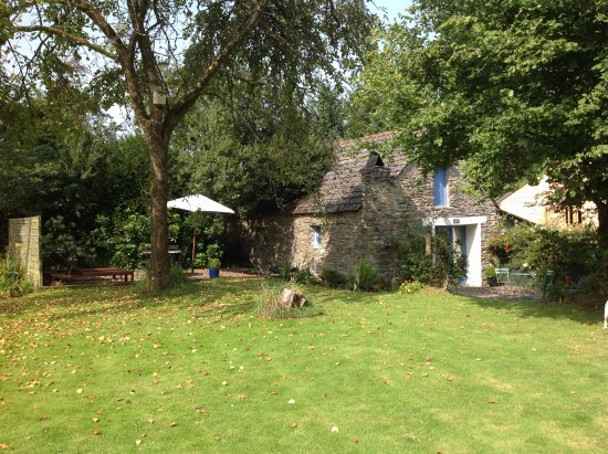 Sizun, France: Hayloft Gite and Orchard Garden