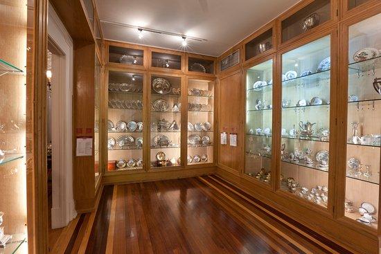 d31e97cc45c Museu Medeiros de Almeida  Casa-Museu Medeiros e Almeida - sala das Pratas