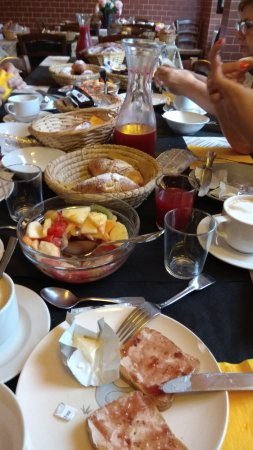 Locanda Dal Moccia: Zumo y macedonia con frutas naturales