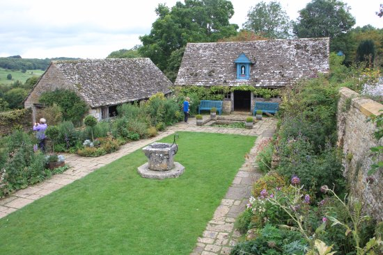 Snowshill Manor And Garden: The Enclosed Garden At Snowshill Manor