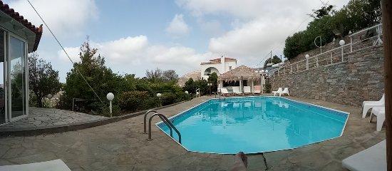 Kymothoi Rooms & Pool Bar: IMG_20170911_103647_large.jpg