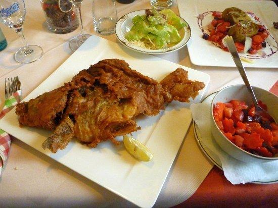 Kinding, Alemania: gebackener Karpfen