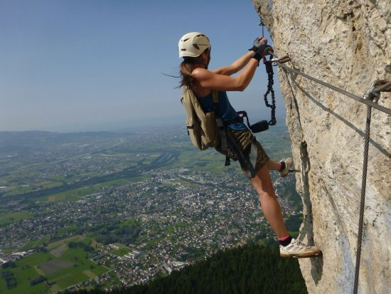 Klettersteig Vorarlberg : Der klettersteig an kapfwand mit herrlichem ausblick auf den