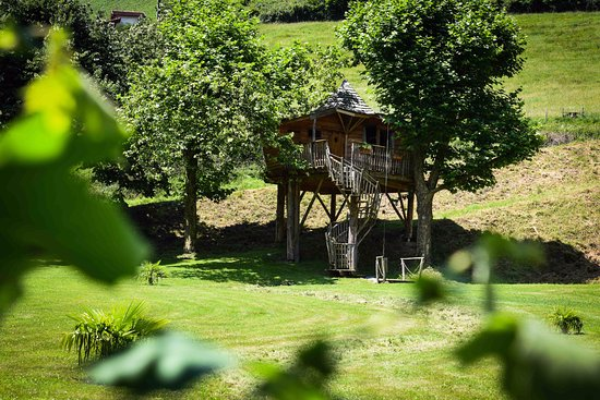 Esterencuby, France: cabane perchée