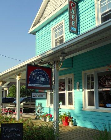 Saint-Come, Kanada: Bienvenue au Café, ouvert du jeudi au dimanche !