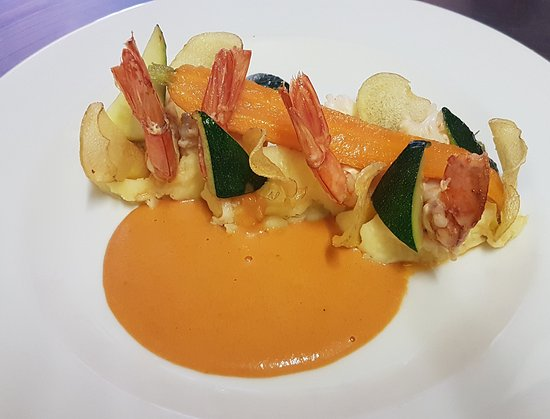 Saint-Laurent-de-Cerdans, ฝรั่งเศส: Gambas et son velouté de tomates bio