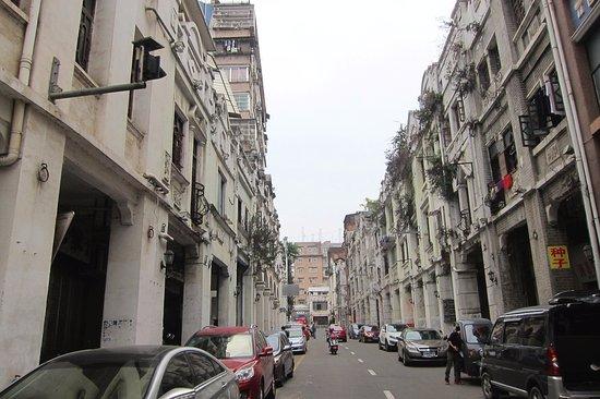 Wuzhou, China: 1900年台初頭の建物が多く残っています。