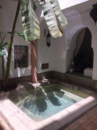 Riad Tawargit: Jacuzzi