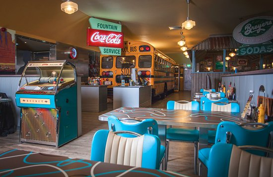 Brilliant Retro Style 1950s Diner - Top Quality Food - Billy-Bob's