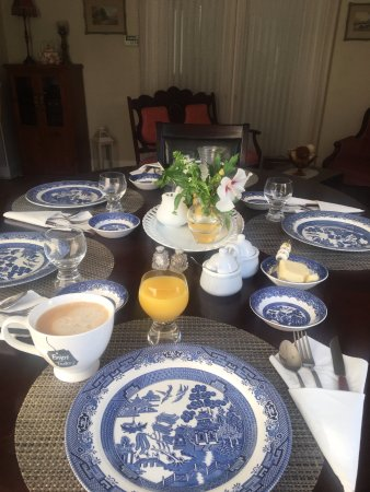 A Knight in South&ton Bed and Breakfast Gorgeous breakfast table setting! & Gorgeous breakfast table setting! - Picture of A Knight in ...