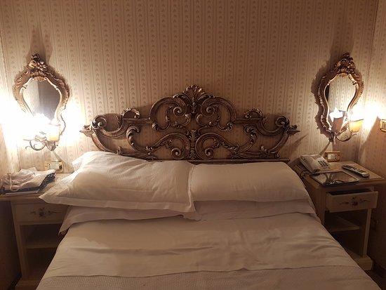 Biasutti Hotel: petit lit de 2 personnes