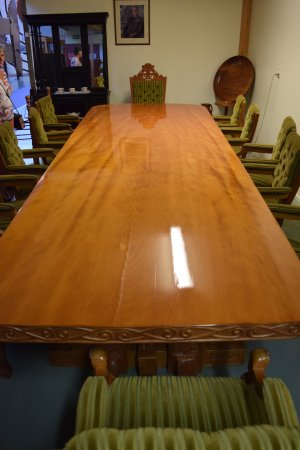 Matakohe, Nueva Zelanda: Table made from Kauri