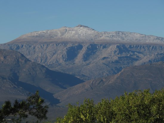 Citrusdal, Afrique du Sud : Snow in the Cederberg from our patio