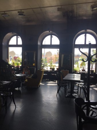 Trendy cafe ☕️🍰🥗