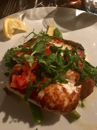 Barna, Irlanda: Exceptional halibut and irelands best brown soda bread!  Intimate setting, plentiful yet select