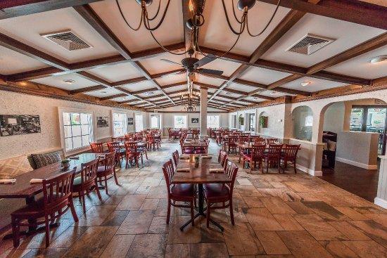 Orapax: dining room