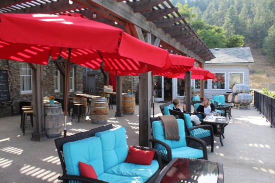 Okanagan Falls, Kanada: nice terrace and ambiance