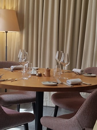 Table for Four at Assiette Blanche