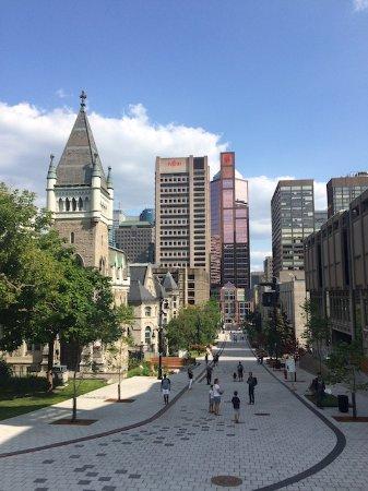 Montreal, Kanada: Golden Square Mile McTavish Promenade Fleuve Montagne