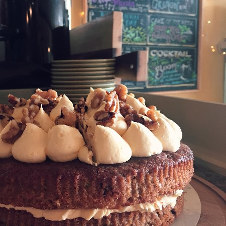 Wirksworth, UK: One of our delicious cakes