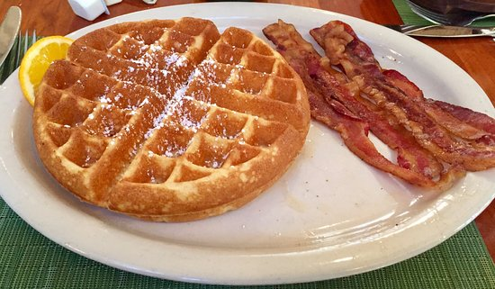 Bear Creek, PA: Belgium Waffle and Bacon