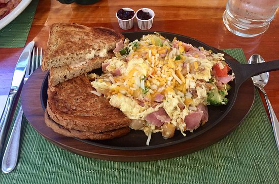 ‪‪Bear Creek Cafe‬: The Summer Skillet‬