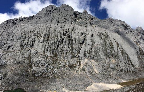 Tembagapura, อินโดนีเซีย: Carstensz Pyramid